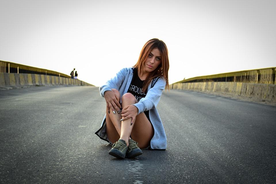 girl-1600355__180